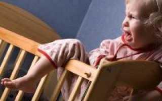 Почему маленький ребенок плачет перед сном