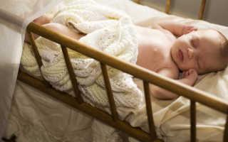 Сколько должен спать ребенок в 6 месяцев днем и ночью