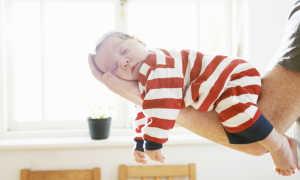 Сколько спит ребенок в 8 месяцев — особенности развития и проблемы со сном