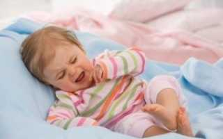 Почему ребенок плохо спит и часто просыпается ночью: возможные причины и как помочь