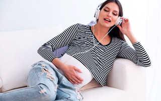 Какие песенки петь малышу во время беременности и чем полезно пение во время беременности