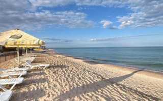 Где летом отдохнуть с ребенком на море: отдых на Азовском море и цены на курортах России