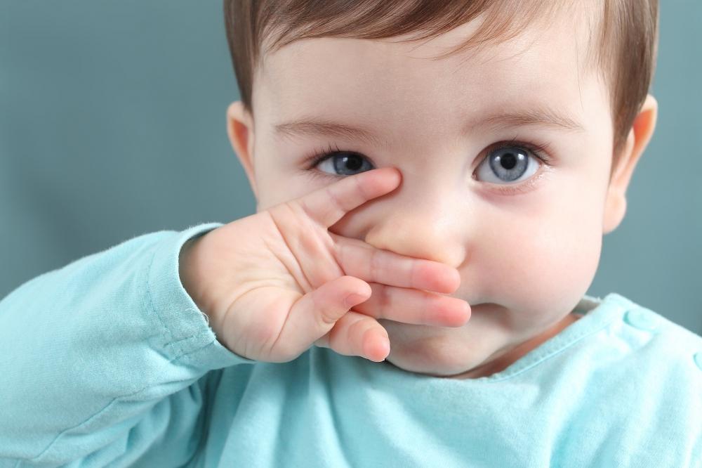 Физиологический насморк у грудничка до какого возраста, сколько длится и что делать