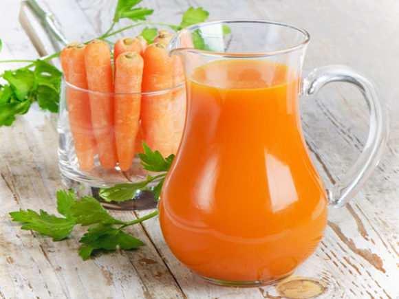 Морковный сок для грудничка с какого возраста можно давать ребенкуа также польза и как приготовить