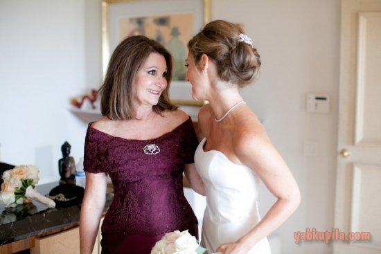 Какое платье одеть на свадьбу дочери осенью: основные правила для наряда мамы невесты на свадьбе