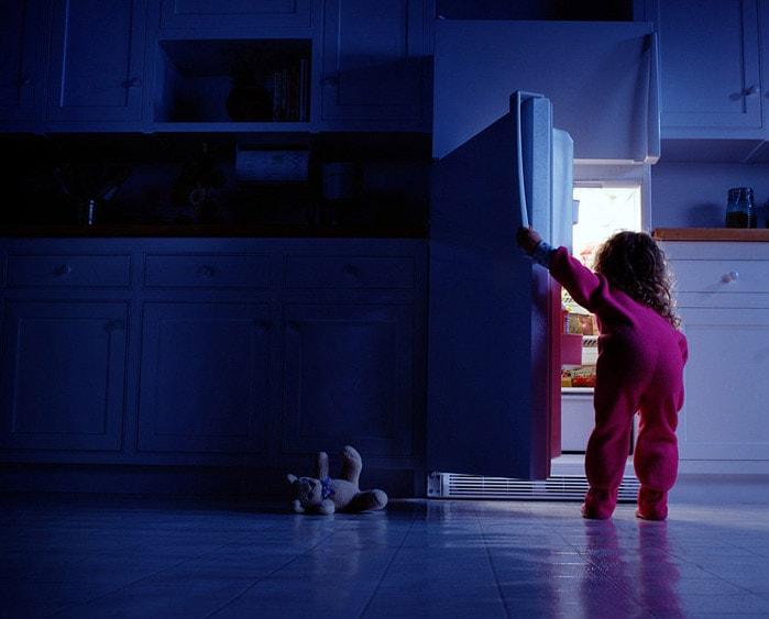 Картинка холодильник и ночь