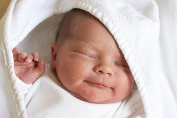 Через сколько дней проходит потница у грудничков и как выглядит у младенцев - причины появления, виды потницы и методы лечения
