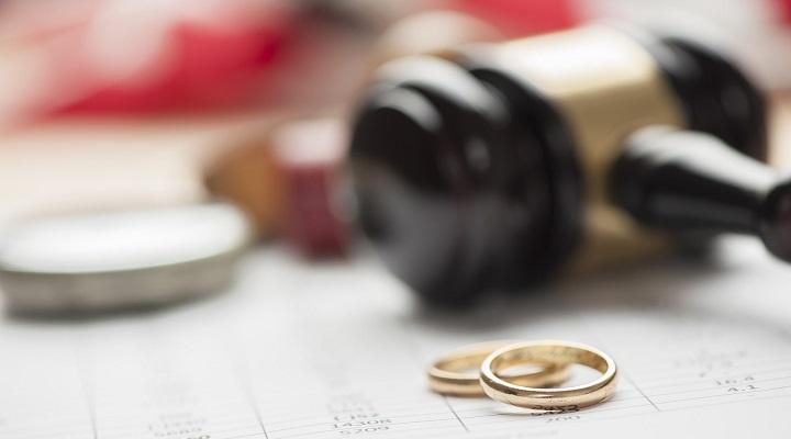 Какие документы нужны для развода с ребенком на руках или какие документы нужны при расторжении брака через ЗАГС и в суде при наличии несовершеннолетних детей