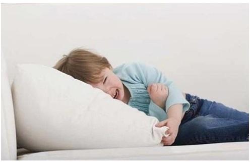 У ребенка болит живот что можно дать чтобы снять боль в области пупка
