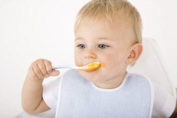 Когда можно подкармливать грудничка и чем - Комаровский или таблица питания ребенка до года по месяцам от доктора Комаровского: памятка для молодых мам