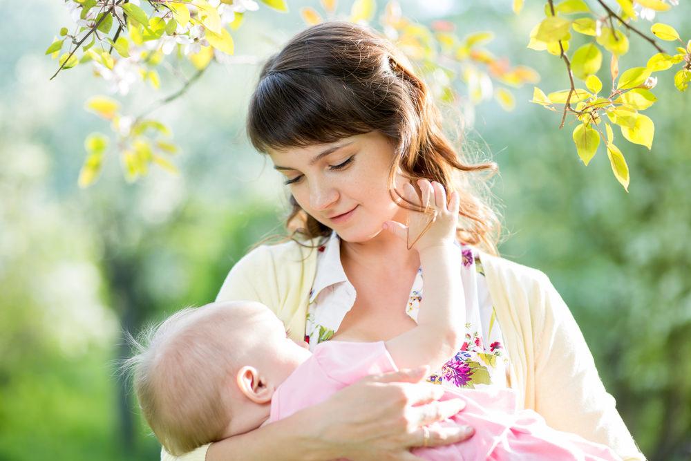 Через сколько проходит диатез у грудничка, чем лучше мазать и какие факторы влияют на выздоровление