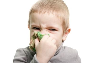 Сколько капать физраствор в нос грудничкам: применение физраствора (натрия хлорида) при насморке у детей