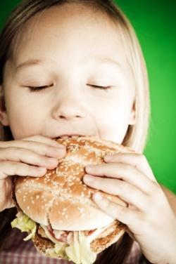 Ожирение у детей и избыточный вес: причины, профилактика и лечение