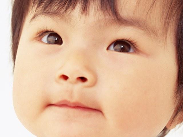 Когда у младенца меняется цвет глаз и как узнать, какого цвета будут глаза у ребенка